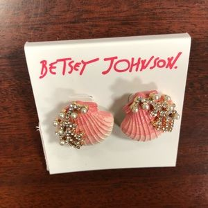 Betsey Johnson seashell earrings